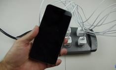 Что произойдет, если подключить к айфону десять зарядок (видео)
