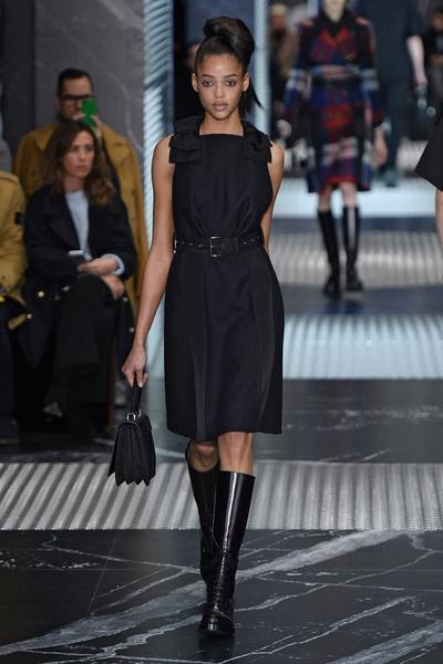 Бренд Prada представил на Неделе мужской моды в Милане сразу две коллекции | галерея [3] фото [11]