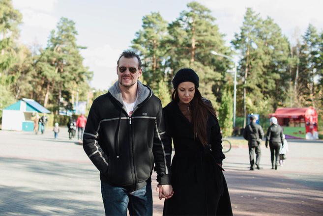 Капитан хоккейной команды Трактор получит российское гражданство. Мнения жены, болельщиков. Фото. Подробности