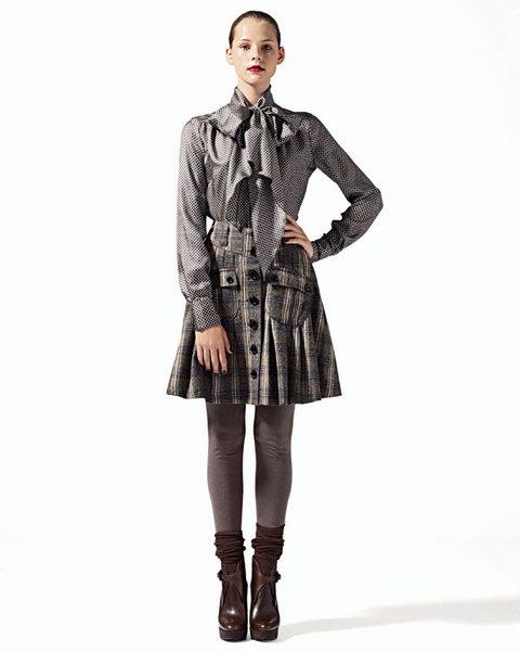 Блуза из шелка с большим бантом, Seventy;юбка из шерсти на пуговицах, Compagnia Italiana