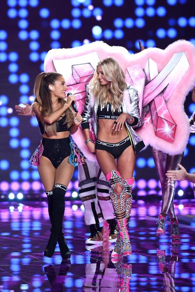 Лучшие фото сежегодного показа Victoria's Secret