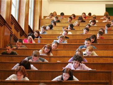 Российские школьники написали ЕГЭ по русскому языку