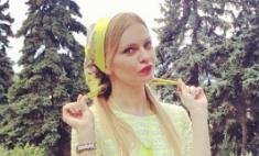 Елена Кулецкая не знает, как носить модные аксессуары