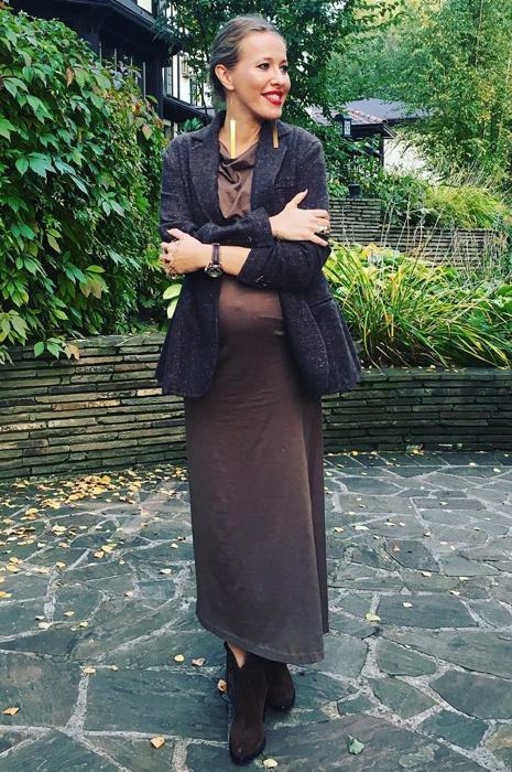 Беременная Ксения Собчак с животом: фото