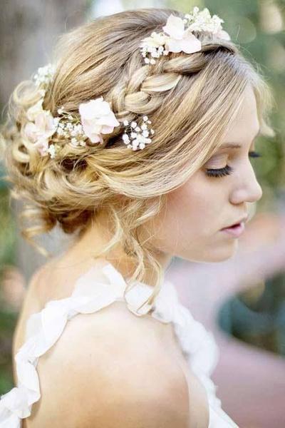 Как украсить цветами свадебную прическу?   галерея [2] фото [3]