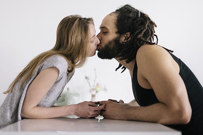 Секс с полным партнером