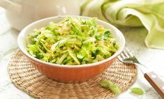 Рецепт витаминного салата с капустой и огурцом