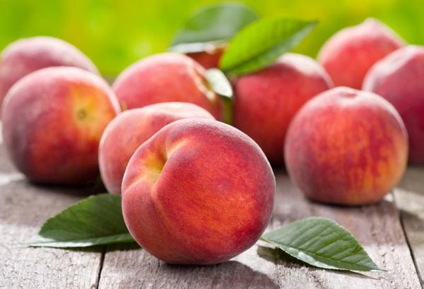 Персиковое масло для ухода за кожей
