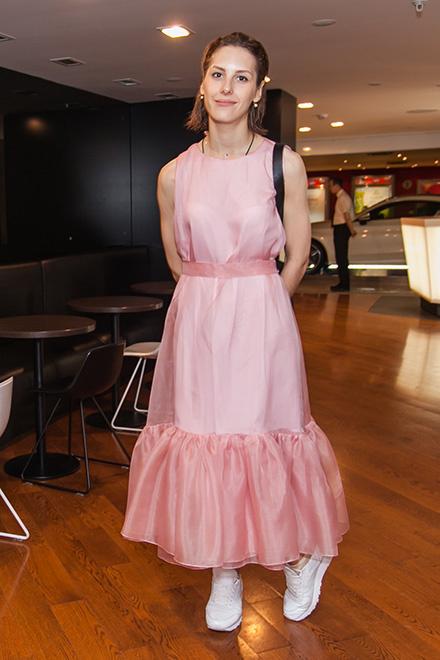 Ирина Горбачева на премьере в платье Studio Nebo