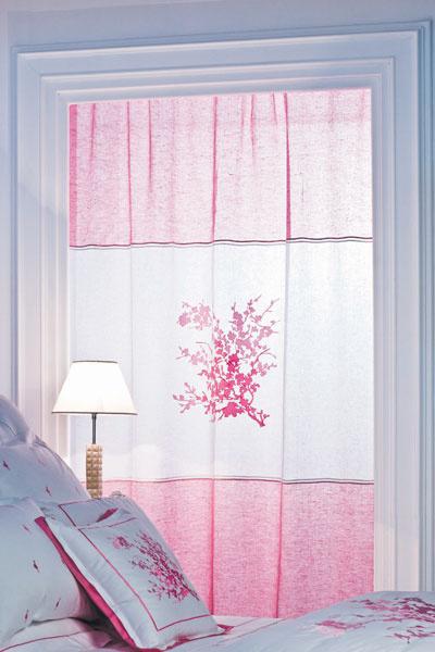 Постельное белье и текстиль для окон из коллекции 2010, Mastro Raphael, салон DeLuxe Home Creation.
