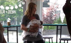 Ума Турман показала новорожденную дочку