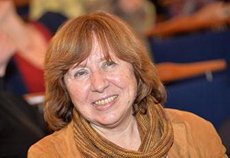 Светлана Алексиевич, героиня нашего времени