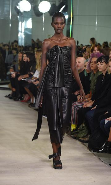 Неделя моды в Лондоне: день четвертый | галерея [4] фото [6]
