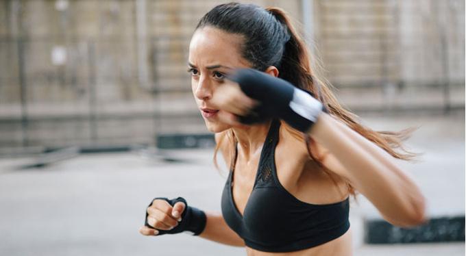 Когда эффективнее тренироваться: утром, днем или вечером?