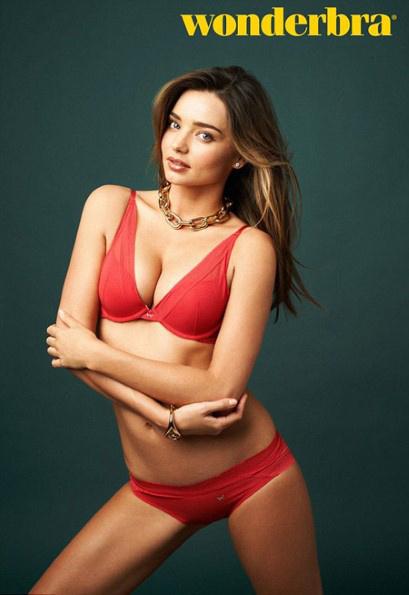 Миранда Керр в рекламе Wonderbra