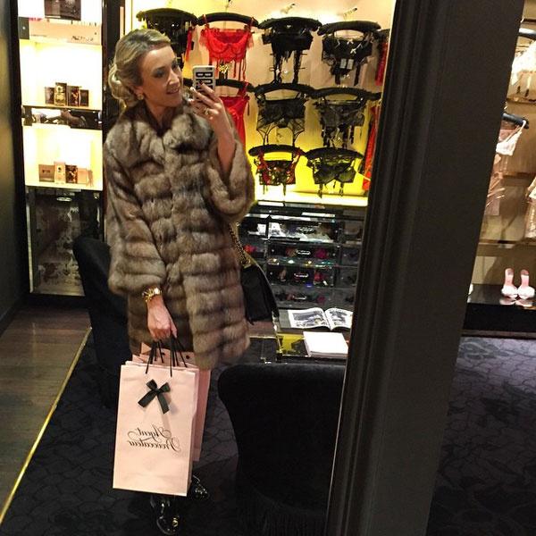 Ольга Бузова в бутике нижнего белья