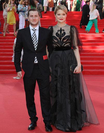 Надежда Михалкова с мужем на ММКФ-2013