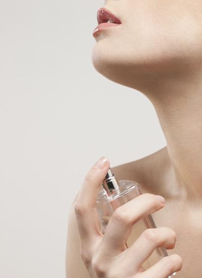 Как наносить парфюм
