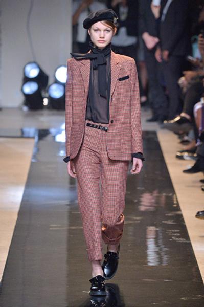 Неделя моды в Париже: показы Alexander McQueen и Paul & Joe ready-to-wear осень — зима 2015-2016   галерея [2] фото [11]