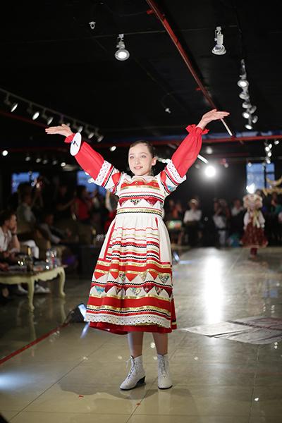 Платья на выпускной: модные идеи 2016