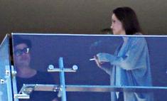 Анджелину Джоли застукали за курением