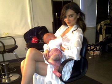 Миранда Керр, Miranda Kerr, грудное вскармливание, ребенок