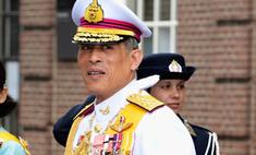63-летний принц Таиланда насмешил мир нелепым нарядом