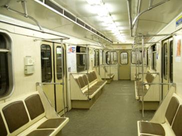 Падение человека на рельсы остановило движение поездов