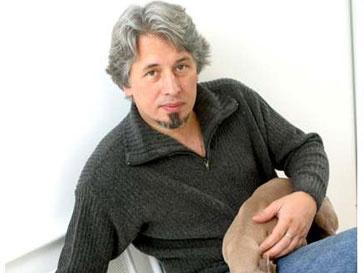 Повесть «Метель» принесла ее автору Владимиру Сорокину выигрыш в 700 тыс. рублей