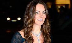 Кейт Миддлтон появилась в бриллиантовом колье королевы