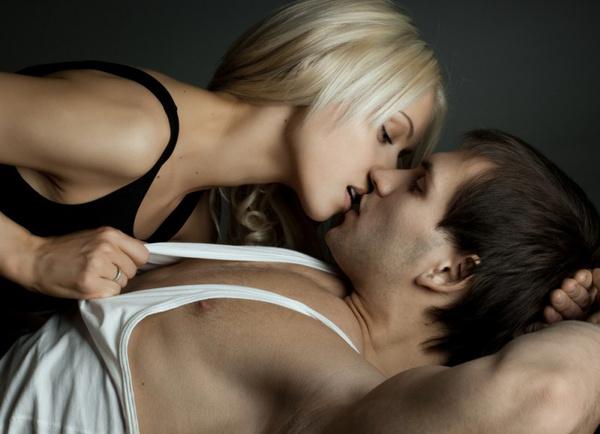 Как удивить любимого в постели: видео