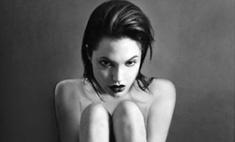 Редкие фото голой Джоли будут проданы на аукционе