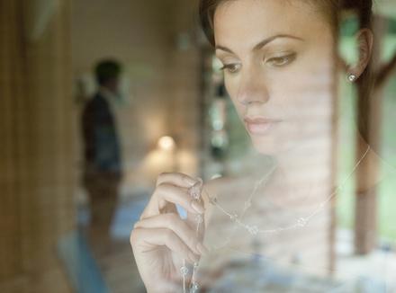 Почему люди чувствуют себя одинокими