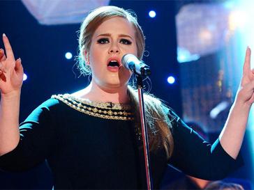 Адель (Adele) вернулась в студию ради будущекго малыша.