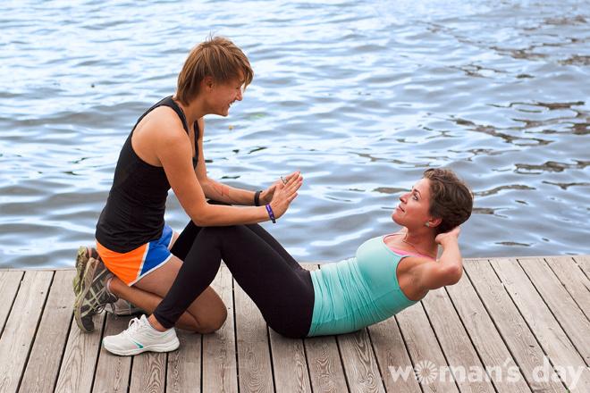 Парный фитнес: косые мышцы фото