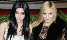 Один в один: что общего между Мадонной и Лурдес