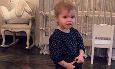 Вся в маму: дочка Перминовой дефилирует в платье от-кутюр