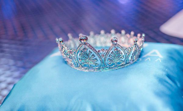 Маленькая мисс и мисс Ульяновск-2015: 5 декабря в ТРЦ Аквамолл состоится финал конкурса красоты и таланта ведущей шоу станет Тутта Ларсен смотрите фото участниц