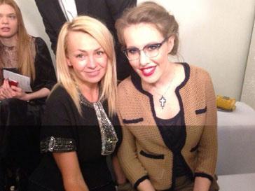 Яна Рудковская и Ксения Собчак на показе A la Russe осень-зима 2013/14