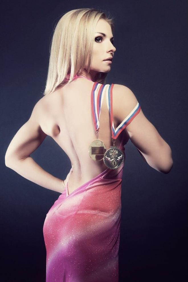 Чемпионка мира по модельному фитнесу Александра Николаева