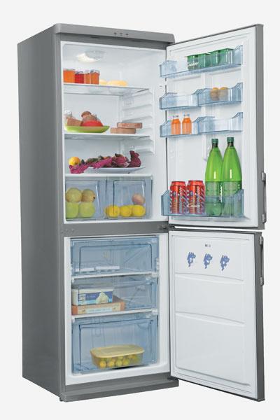 Модель CCM 360 SLX (Candy, Италия), 23 490 руб. Холодильник двухкамерный, серебристо-серого цвета, расположение морозильной камеры – внизу.