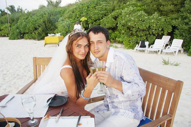 Алена и Леша уже сыграли свадьбу на Мальдивах