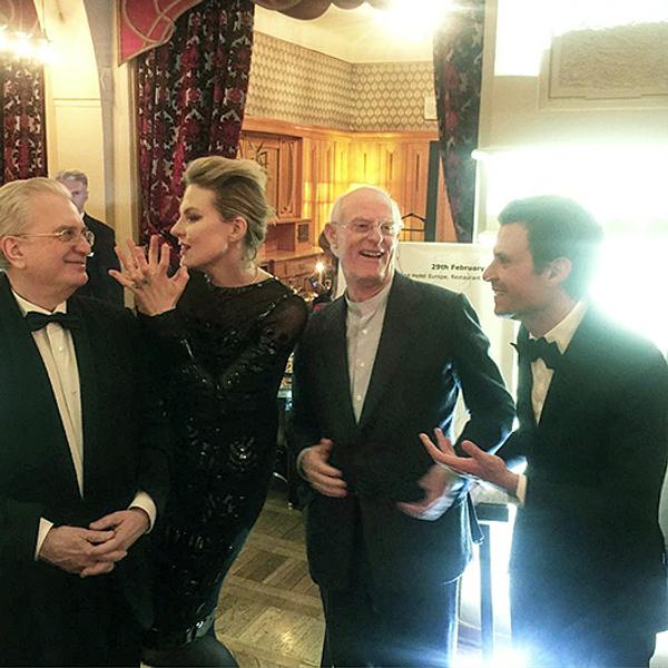 Малахов, Литвинова и Брежнева пришли на выставку Крэгга в Эрмитаже: фото,подробности