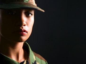 Американки будут обучать солдат в Афганистане местному языку и обычаям