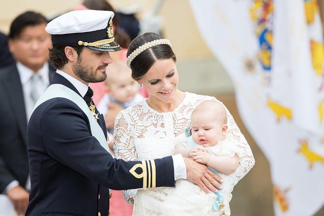Принц Карл Филипп, принцесса София и их первенец Александр