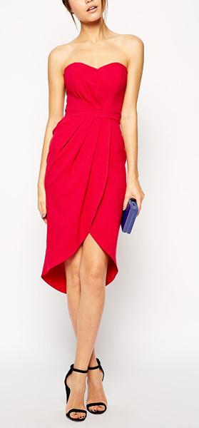 Красное платье с корсетом