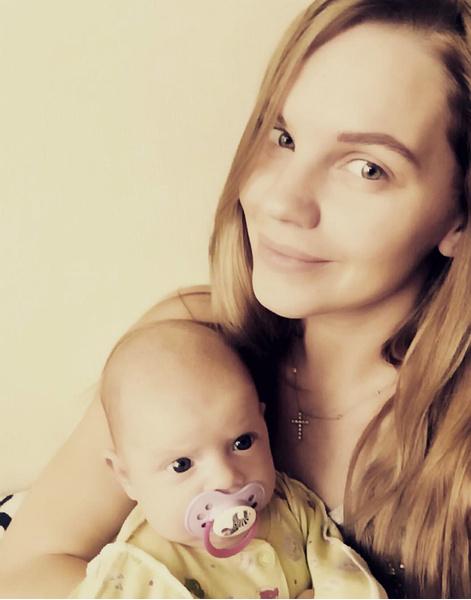 Екатерина Сафронова показала, на кого похожа ее дочь