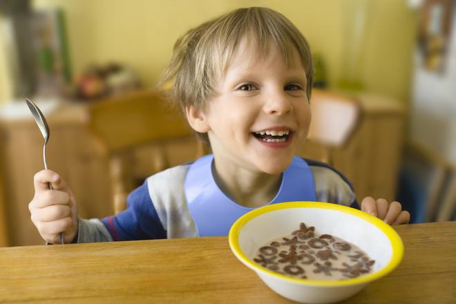 Ученые рассказали, как завтрак влияет на интеллект ребенка