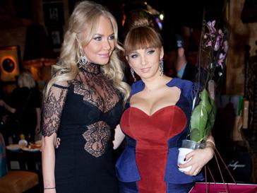Маша Малиновская и Анфиса Чехова отдали предпочтение откровенному декольте