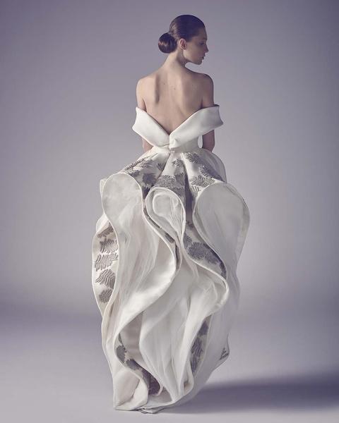 ЗАМУЖ НЕВТЕРПЕЖ: 10 самых красивых свадебных коллекций сезона | галерея [1] фото [17]
